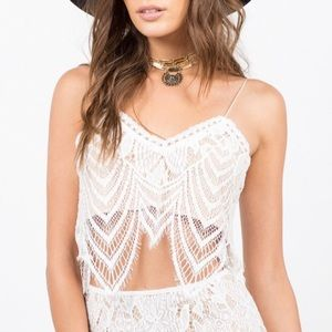 Signatures 8 Wavey Overlay Lace Crop Top Thin